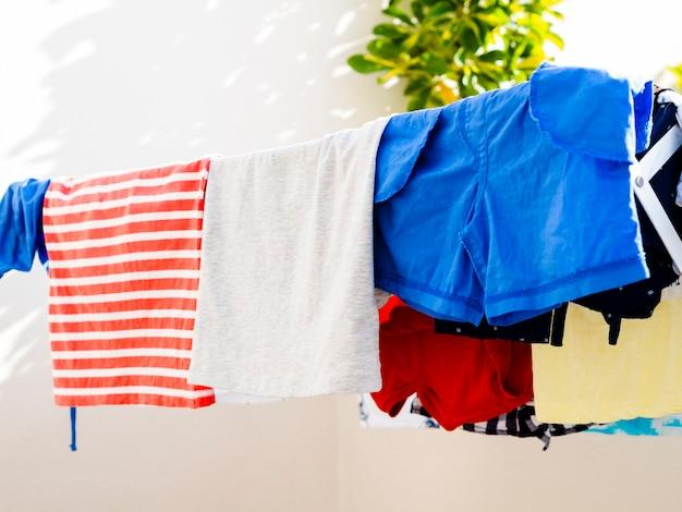 Gros plan, séchage, vêtements, ligne