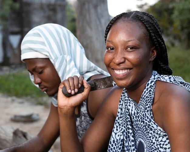 Gros plan, smiley, africains, dehors