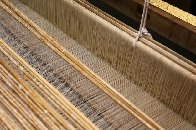 Gros plan, soie, or, tissage, métier