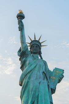 Gros plan de la statue de la liberté