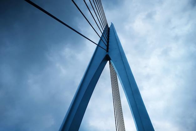 Gros plan de la structure du pont