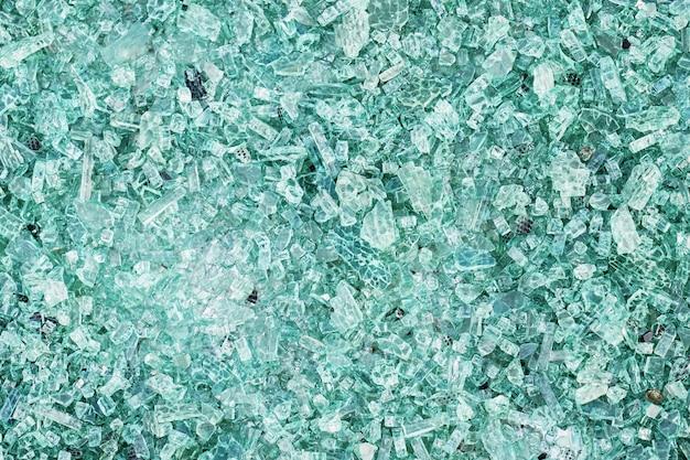 Gros plan de la texture du verre brisé. vue de dessus