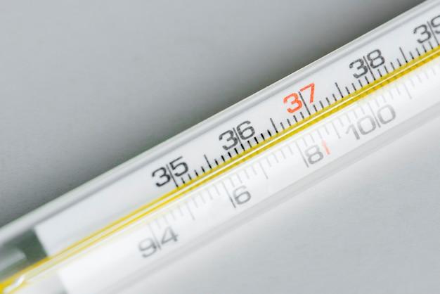 Gros plan de thermomètre
