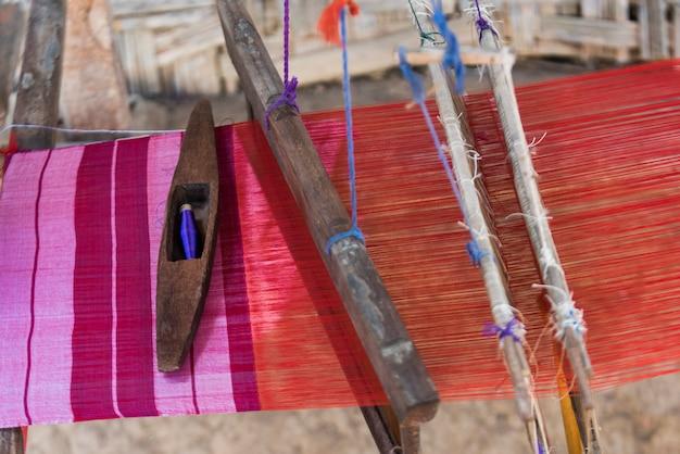 Gros plan, tissu, tissage, métier métier, laos