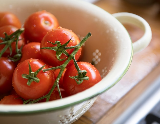 Gros plan de tomates rouges fraîches