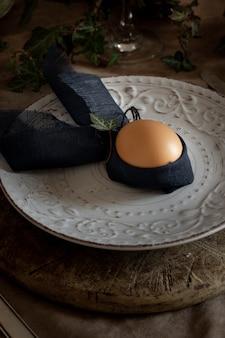 Gros plan, traditionnel, oeuf pâques, sur, a, plaque