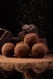 Gros plan de truffes gastronomiques