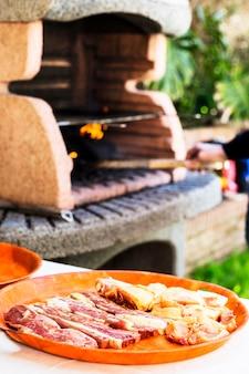 Gros plan, de, viande fraiche, frais, sur, plastique, plaque