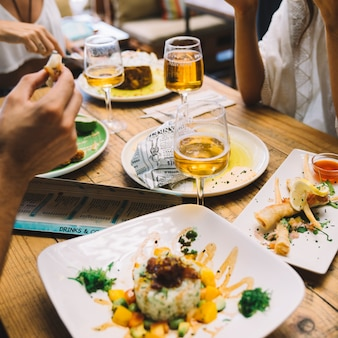 Gros plan, vue, amis, manger