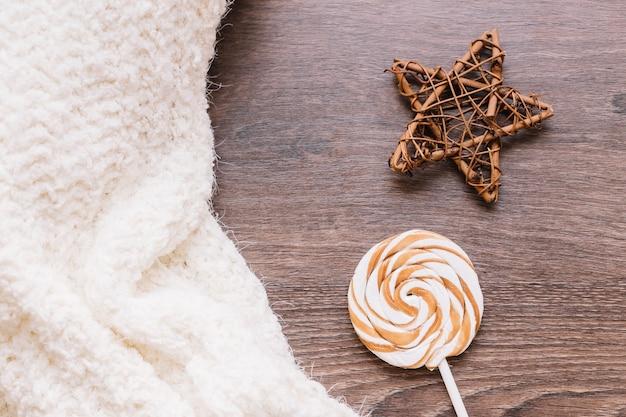 Grosse sucette avec étoile en bois