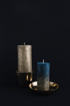 Grosses bougies en chandeliers