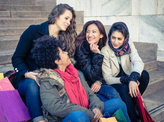 Groupe d'amis de femme
