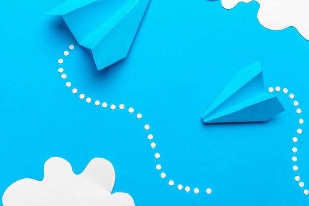 Groupe d'avions en papier