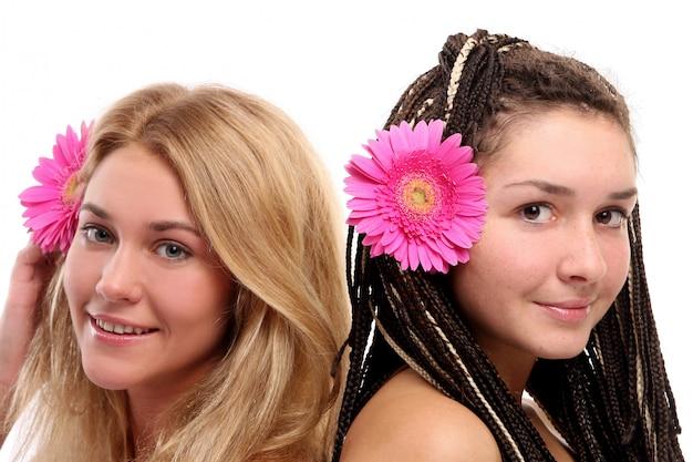 Groupe de belles jeunes femmes
