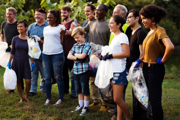Groupe de bénévoles divers