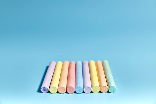 Groupe de craie de différentes couleurs