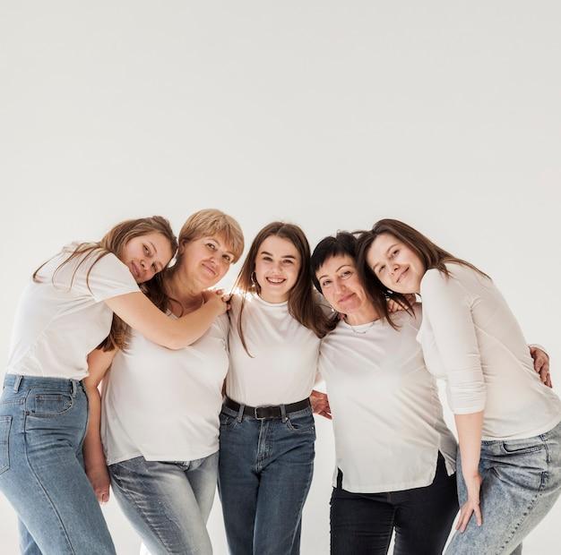 Groupe de femmes de l'espace de copie
