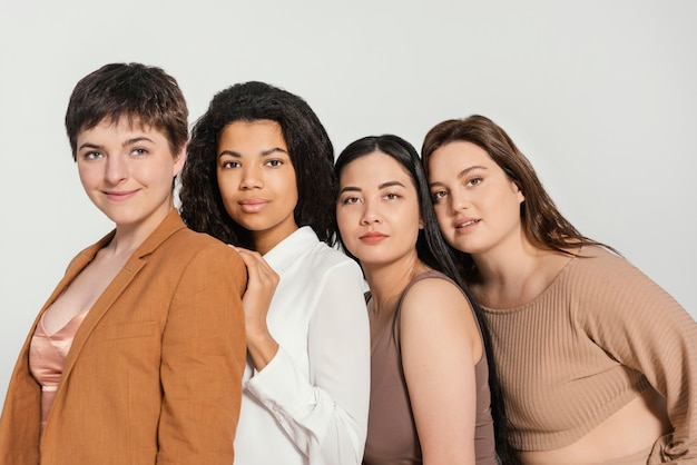 Groupe de femmes passant du temps ensemble