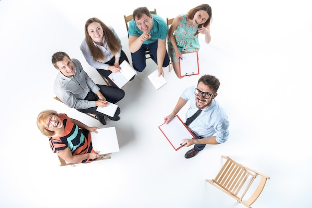 Groupe de gens d'affaires lors d'une réunion