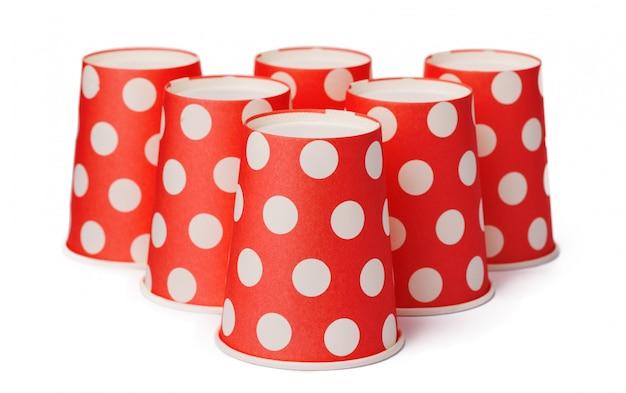Groupe de gobelets jetables en carton à pois rouges