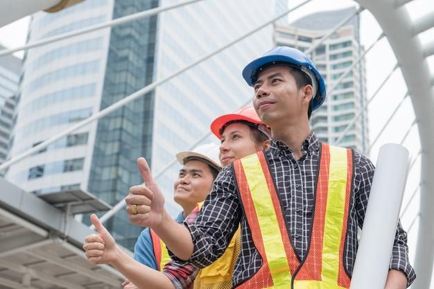 Le groupe d'ingénieurs est heureux de s'engager avec un classement trié dans la ville