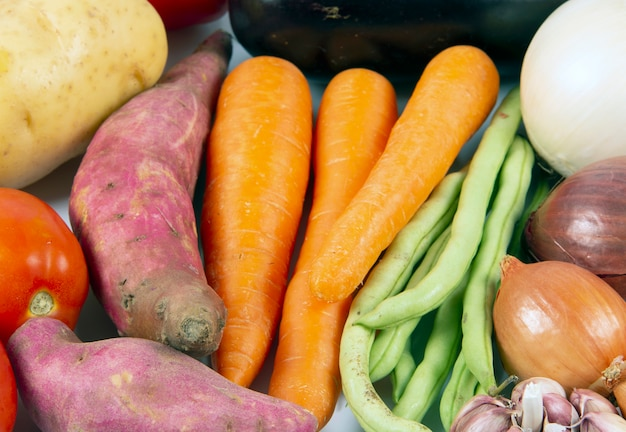 Groupe de légumes crus