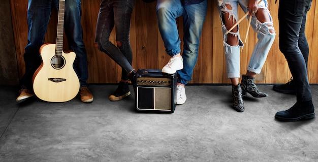 Groupe de musique répétition amitié ensemble