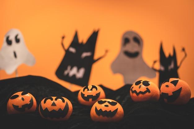 Groupe, de, oranges, figure, peinture, à, effrayant, sur, halloween, fête parti, à, halloween, fond