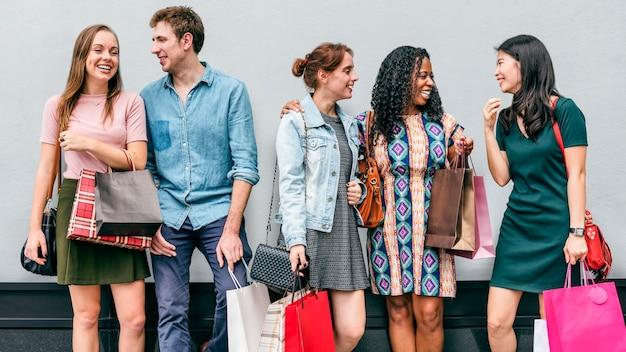 Groupe de personnes shopping concept