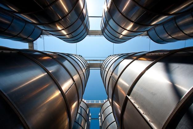 Groupe de silos pétrochimiques: concept pour l'industrie