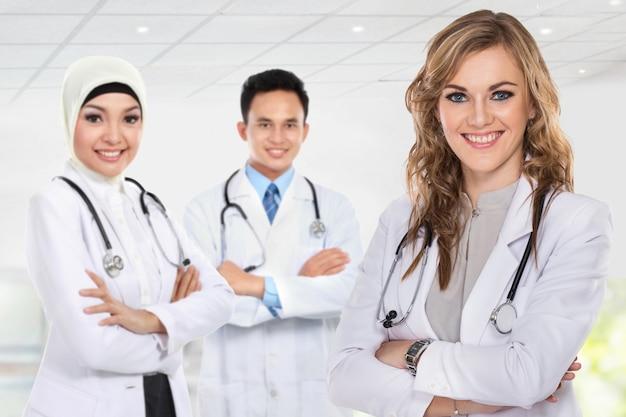 Groupe de travailleurs médicaux