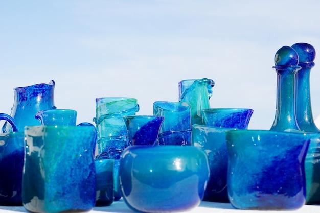 Groupe de verrerie turquoise