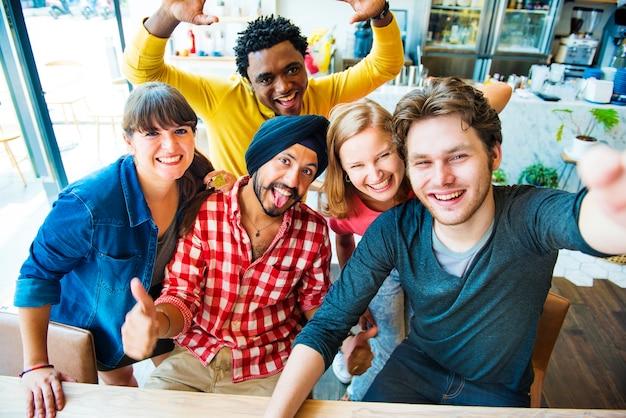 Groupie together teamwork connexion concept de collège