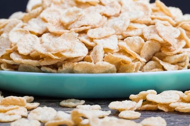 Gruau et autres céréales pouvant être utilisées pour un petit-déjeuner léger mais sain le matin
