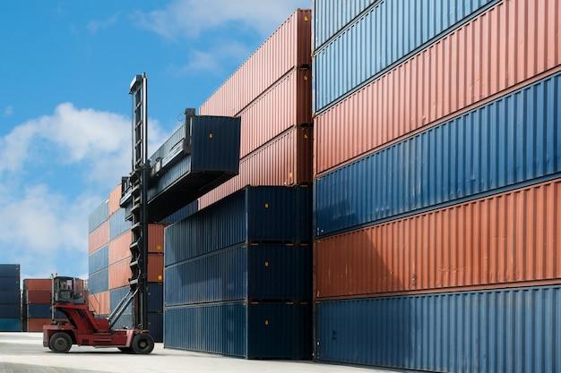 Grue, levage, chargement, boîte conteneur, utilisation, dépôt, conteneur, importation, exportation, logistique