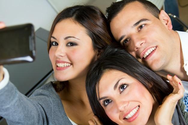 Grupo camara humano sonrisa chica
