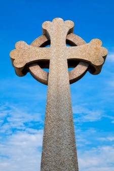 Guernesey cimetière croix celtique hdr