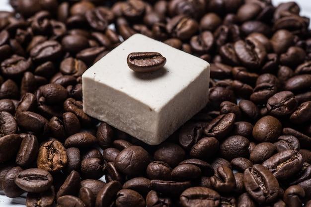 Guimauve, grains de café agrandi