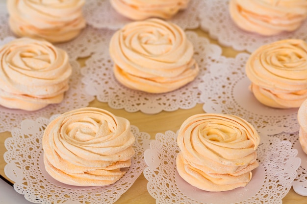 Guimauves roses faites maison, feijoa - un délice aigre idéal, fait maison