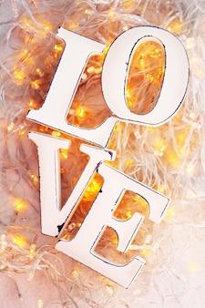 Guirlande d'amour et de lumières