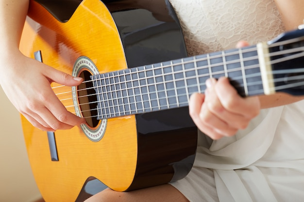 Guitare acoustique - gros plan