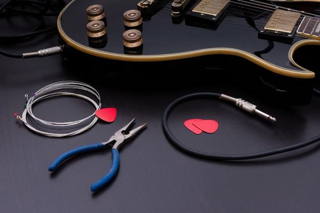 Guitare électrique avec de nouvelles cordes