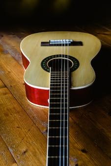 Guitare pour enfants pour apprendre à jouer