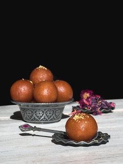 Gulab jamun sucré traditionnel indien, close up