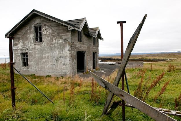 Habitation abandonnée altérée