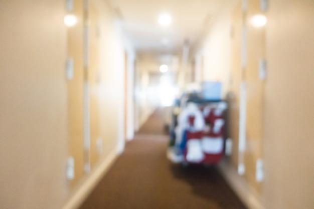 Hall d'entrée avec un chariot de nettoyage
