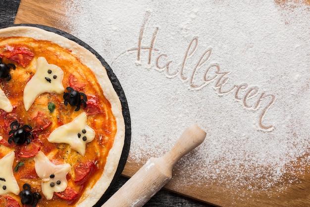 Halloween écrit avec fleur de cuisine