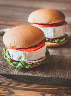 Hamburgers au camembert