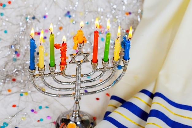 Hanoukka symbole juif fête avec candélabre traditionnel menorah
