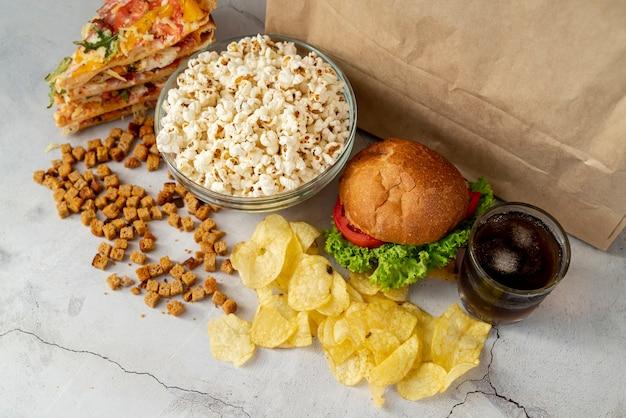 Haute vue fast food sur la table